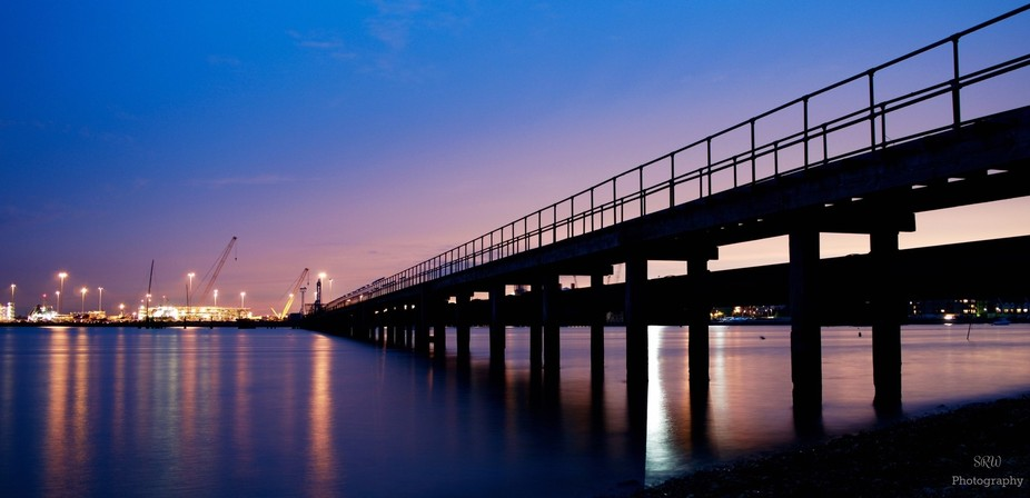 long exposure shot of an old pier by the river itchen in Southampton
