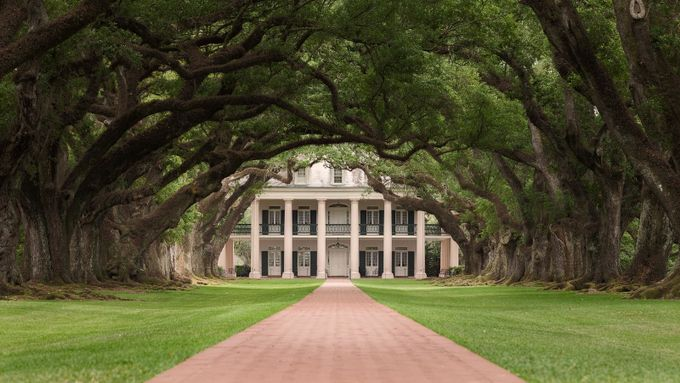 Oak Alley Plantation by Zo-Zo - Around the World Photo Contest By Discovery