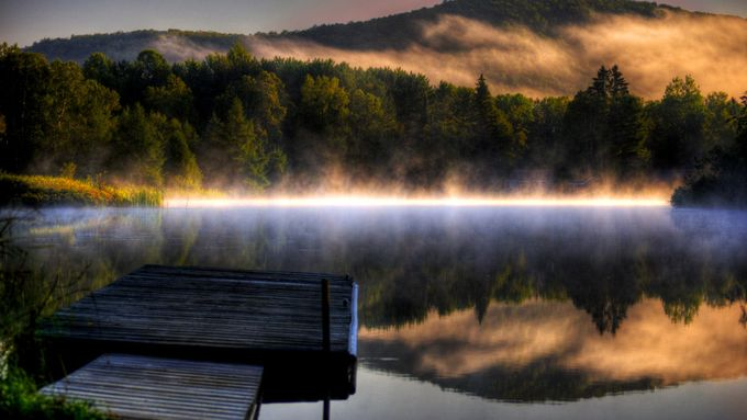 Morning... by BobbyBorgia - Lakes And Reflections Photo Contest