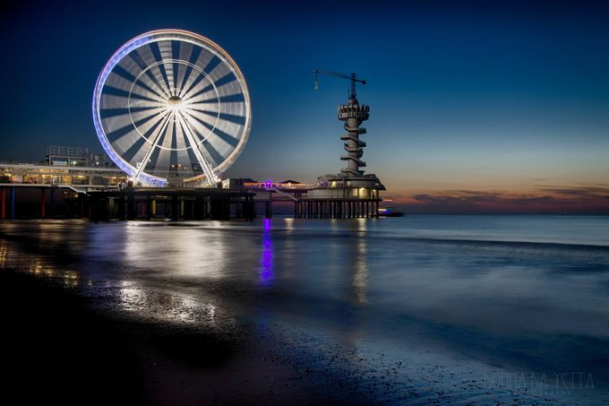 Skyview ferriswheel Scheveningen by DonnadaYetta - City In The Night Photo Contest
