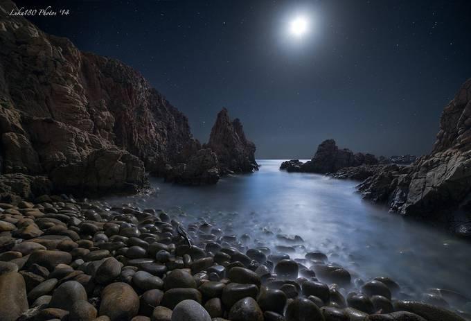Capo Pecora Moonlight by Luka180 - The Moonlight Photo Contest