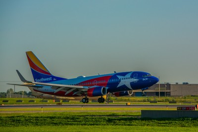 Southwest Airlines (Lone Star One Livery) Boeing 737-7H4(N931WN).
