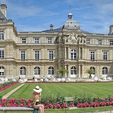 Jardin du Luxembourg was crated in 1612 by the widow of King Henry IV, Marie'de Medici as a new residence