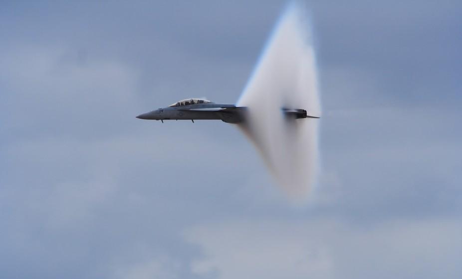 f-18_vapor