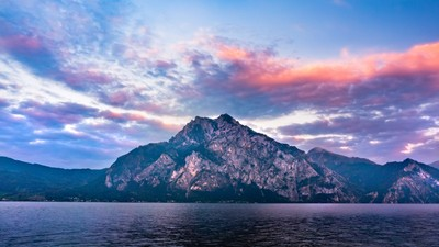 Blue + Pink. Traunsee sunset