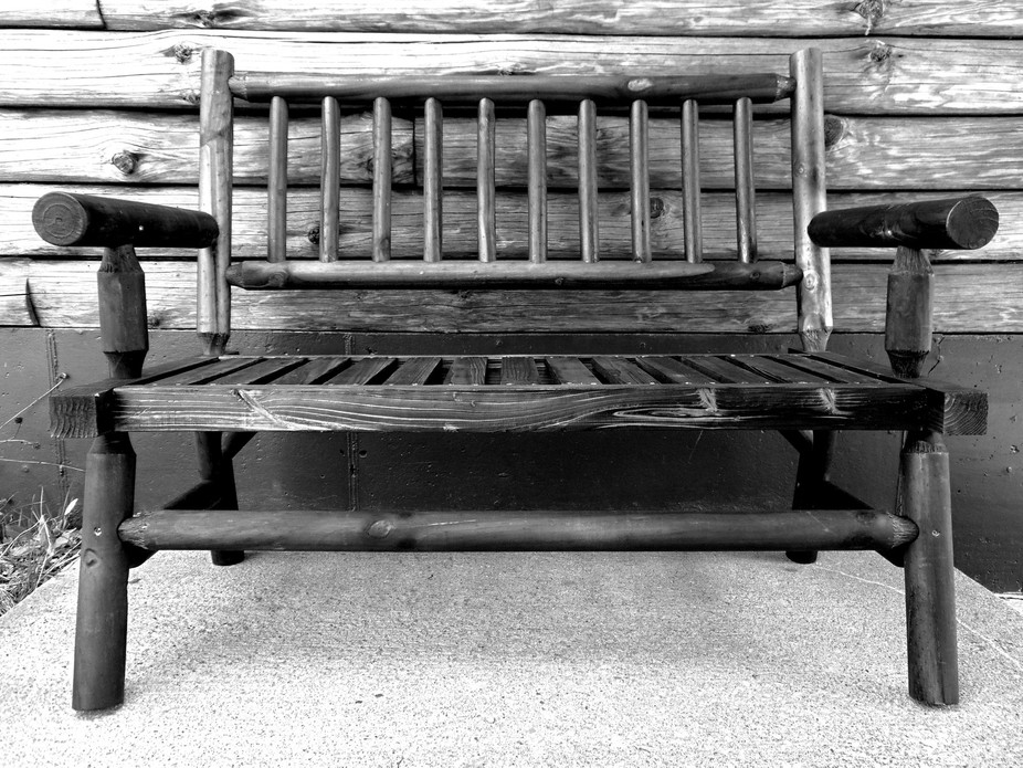 I loved the dramatic contrast of this bench and the symmetry was just pleasing to the eye.