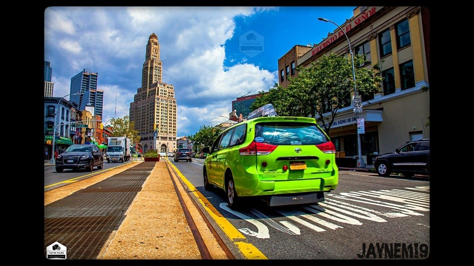 Williamsburg Bank and BK Green Taxi Shot