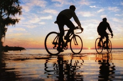 CYCLING ON WATER