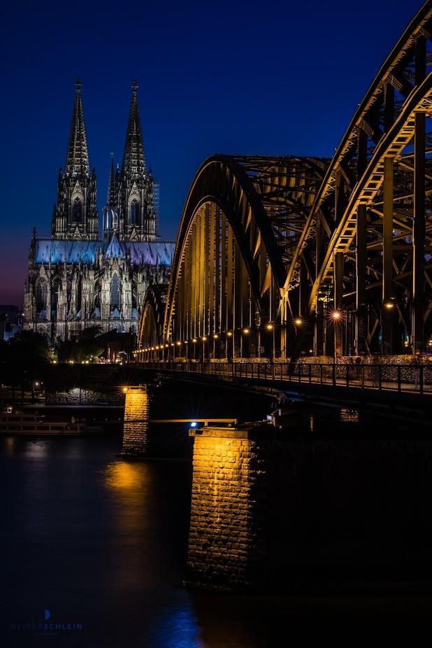 summer in the city by OliverSchleinLichtbilder - Around the World Photo Contest By Discovery