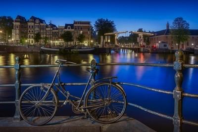 Amsterdam_Quay_Bridge_2