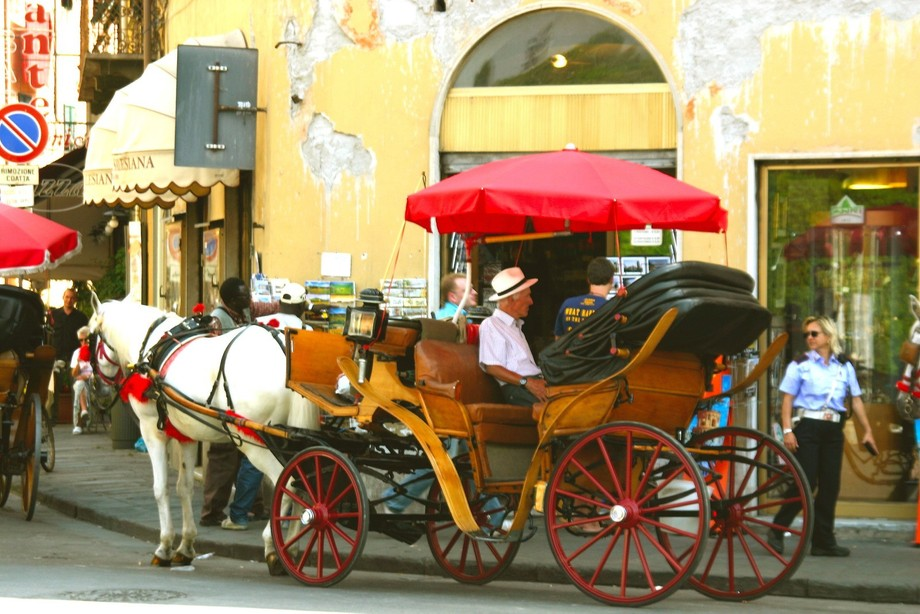 Taxi Pisa Style