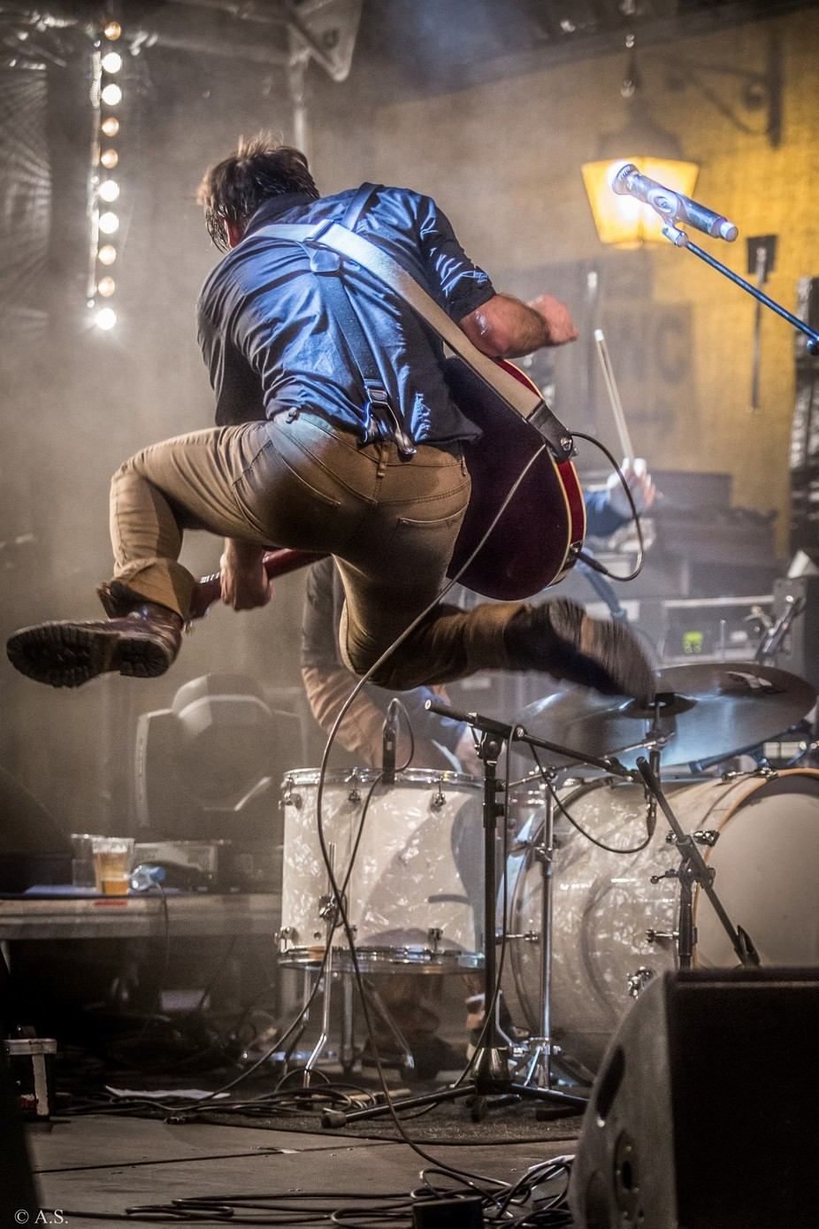 Jump !  by alexiatantardinisutterlet - Music And Concerts Photo Contest