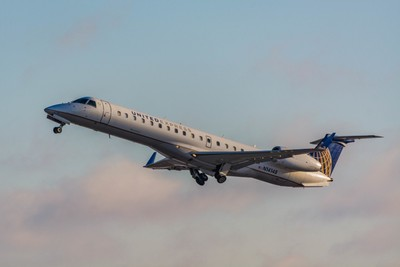 United Express(ExpressJet Airlines) Embraer ERJ-145XR(N14148).