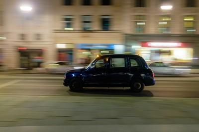 London cab in Trafalgar Square