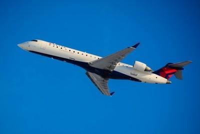 Delta Connection(Expressjet) Canadair Regional Jet CRJ-700(N707EV).