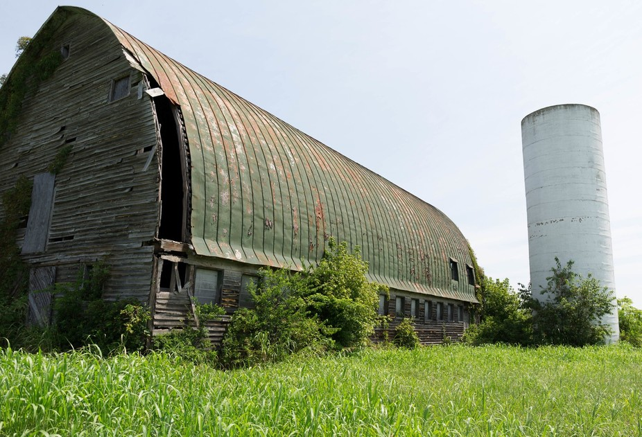 While driving to Charlottesville, I saw this abandoned barn on the side of the road.