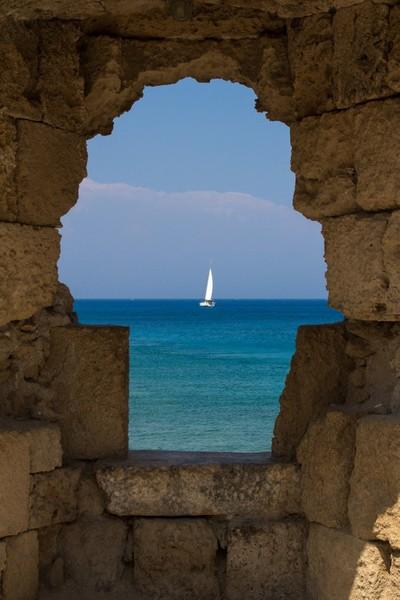 A window to the Sea