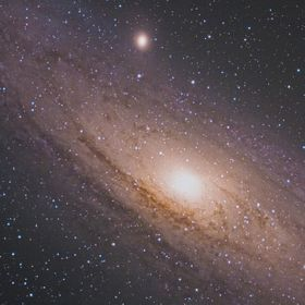 About M31 and NGC206 i suggest this last Sky&Telescope article: http://www.skyandtelescope.com/astronomy-blogs/explore-night-bob-king/see-sta...