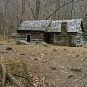 Cabin on Roaring Fork Smoky Mountains