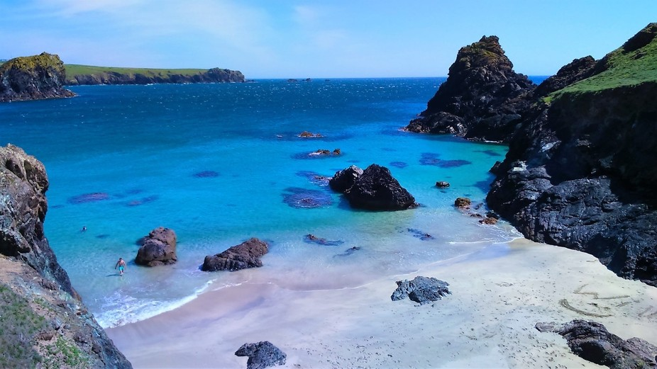 My favourite beach, Kynance Cove, looking very tropical, on a gorgeous summer day.