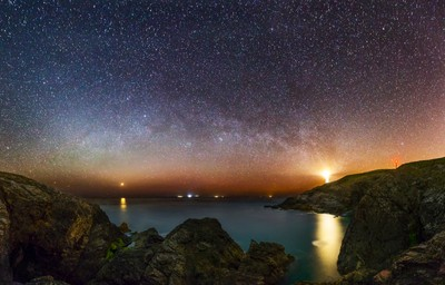 Trevose Lighthouse, Venus, and the winter Milky Way