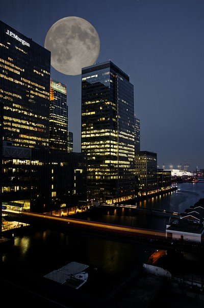 Moonlight in Canary Wharf
