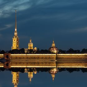 Peter and Paul fortress at night (St. Petersburg, Russia), 07-2012 (Vlad Mey