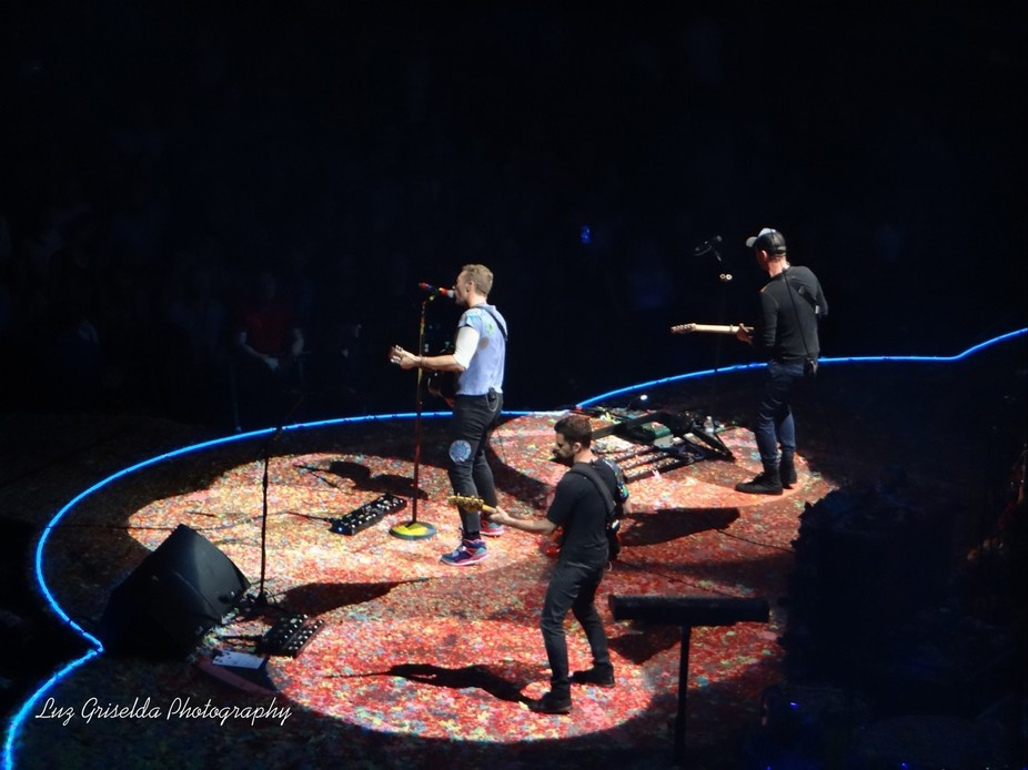 i'm a Big! Fan of Coldplay... So when they came to Denver Colorado at the pepsi center i...