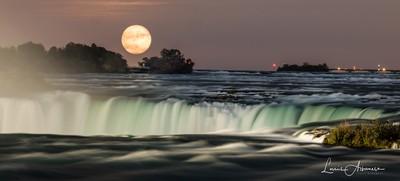 Niagara Moon Rising