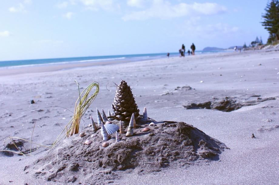 An abandoned sculpture on Waihi Beach