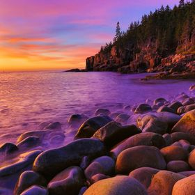 A beautiful sunrise at Boulder Beach in Acadia National Park.  This shot was taken with my Canon 5d Mark III camera and Canon 15-30 Lens.