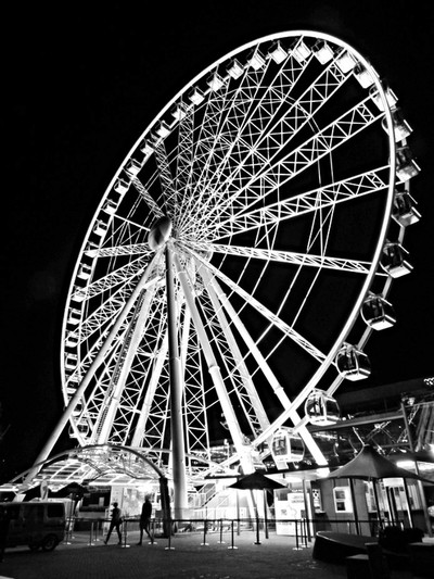 Wheel at Night