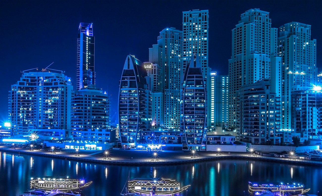 Dubai Marina at night is a vibrant busy place full of restaurants and leisure venues.  Beautifully laid out with miles of marina walks and walks along the sea front.