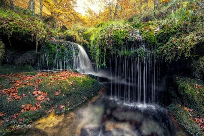 Naturaleza by josedevesa - Beautiful Waterfalls Photo Contest