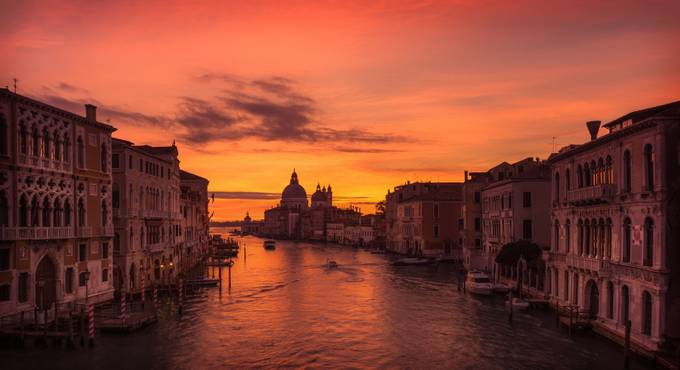 Grand Canal Sunrise by Davidd25 - Canals Photo Contest