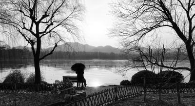 Xihu Silhouette