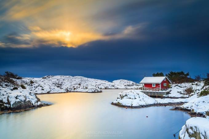 winter sunrise on Flekkerøy by marcinkowalski - Isolated Cabins Photo Contest
