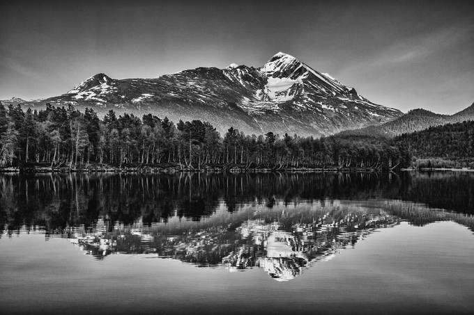 Istind Peak 2 by fthorsen - Compositions 101 Photo Contest vol3