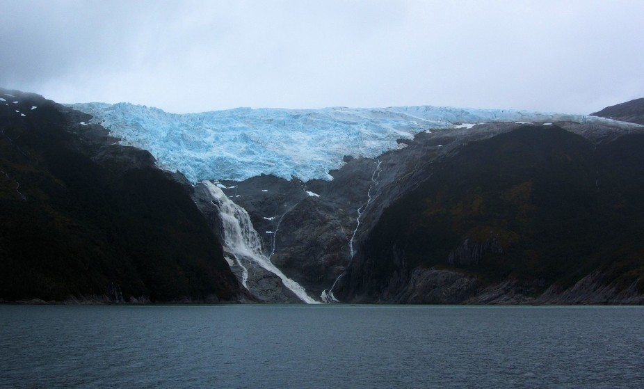 This was a shot of the Romanche Glacier taken during a boat trip through the Beagle Channel, Tier...