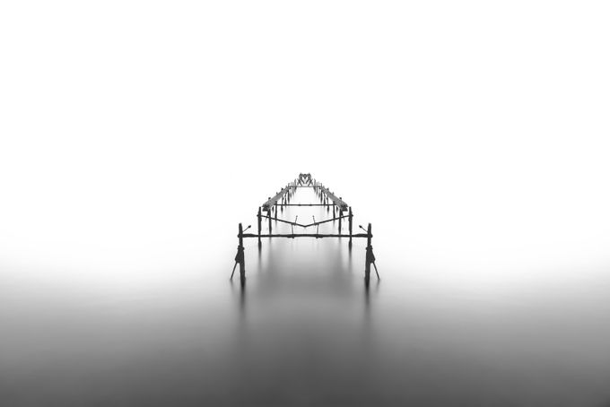 Infinity II by billpeppas - Show Minimalism Photo Contest