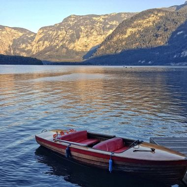 I took this photo while we were on holiday in Hallstatt this year (2016). We were walking along the lake when I thought this would make a good composition, so I took the shot.