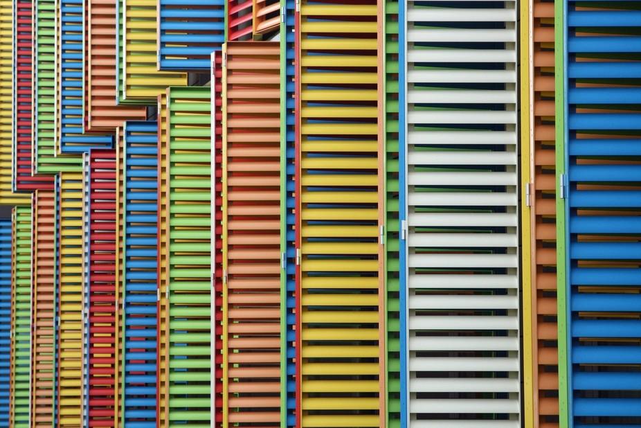 Multicoloured shutters
