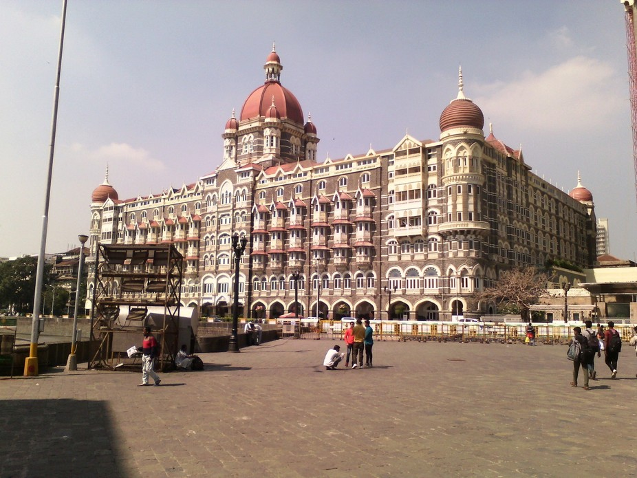 I had gone to Churchgate, Mumbai for some work. After that, I decided to go for site seeing at Ga...