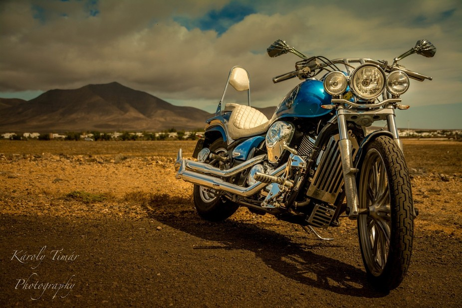 I found this motorbike in a carpark, near to a hotel, close to the desert. I was a must shoot. I ...