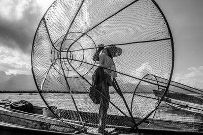 Intha Fisherman Up Close