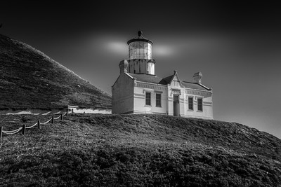 Point Concepcion Lighthouse_Light Glow B+W