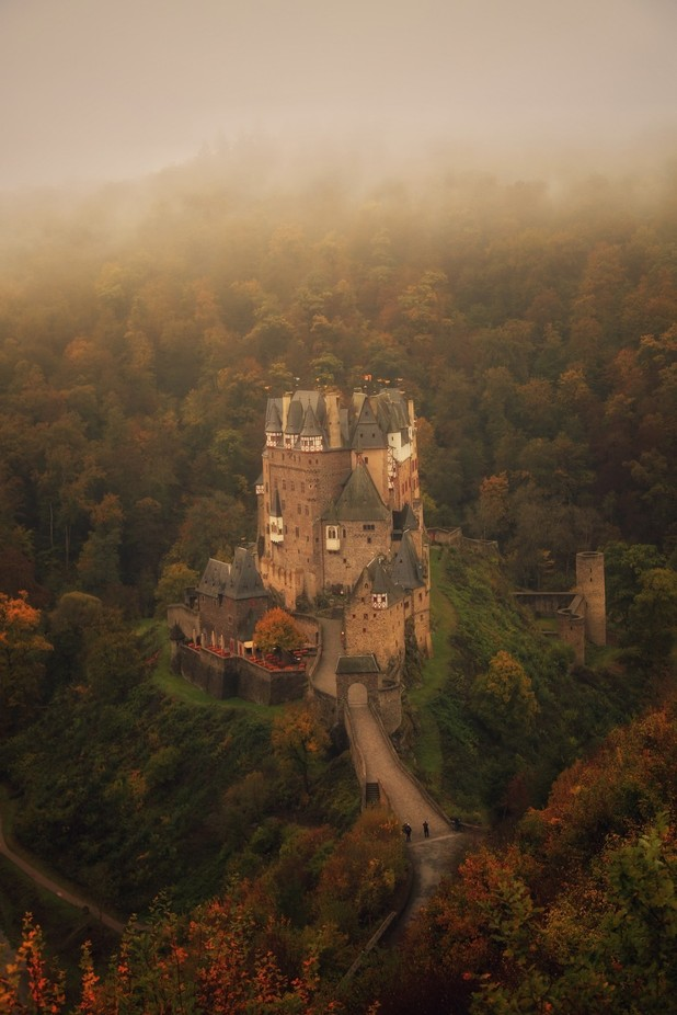 Autumn Eltz by vincentcroce - Enchanted Castles Photo Contest