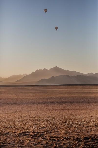 Balloons over the desert
