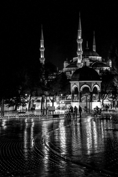 At night in Istanbul