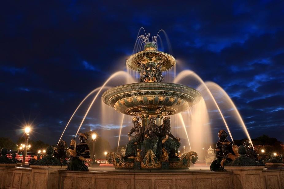 Cold night in Paris